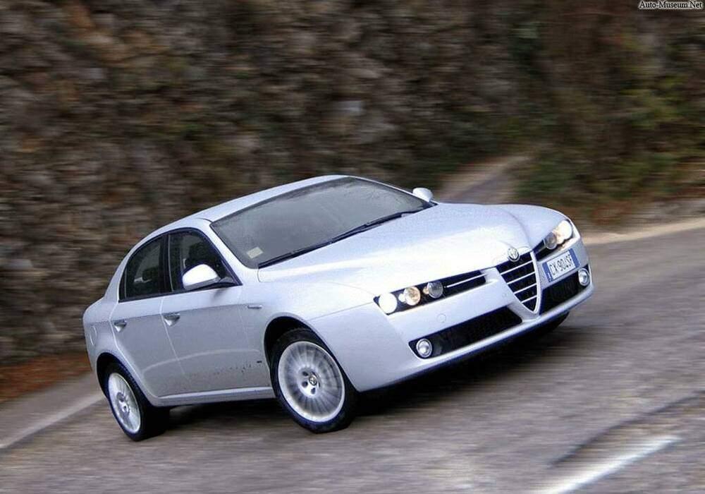 Fiche technique Alfa Romeo 159 2.4 JTDm 200 (939A) (2005-2010)