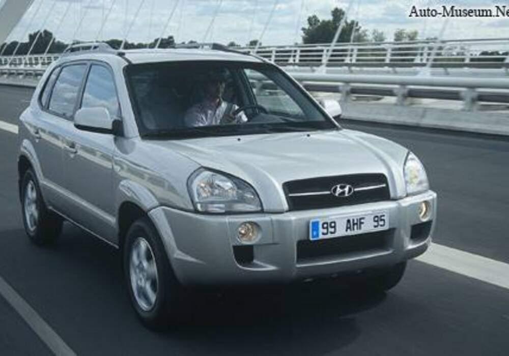 Fiche technique Hyundai Tucson 2.0 CRDi 135 (2006-2008)
