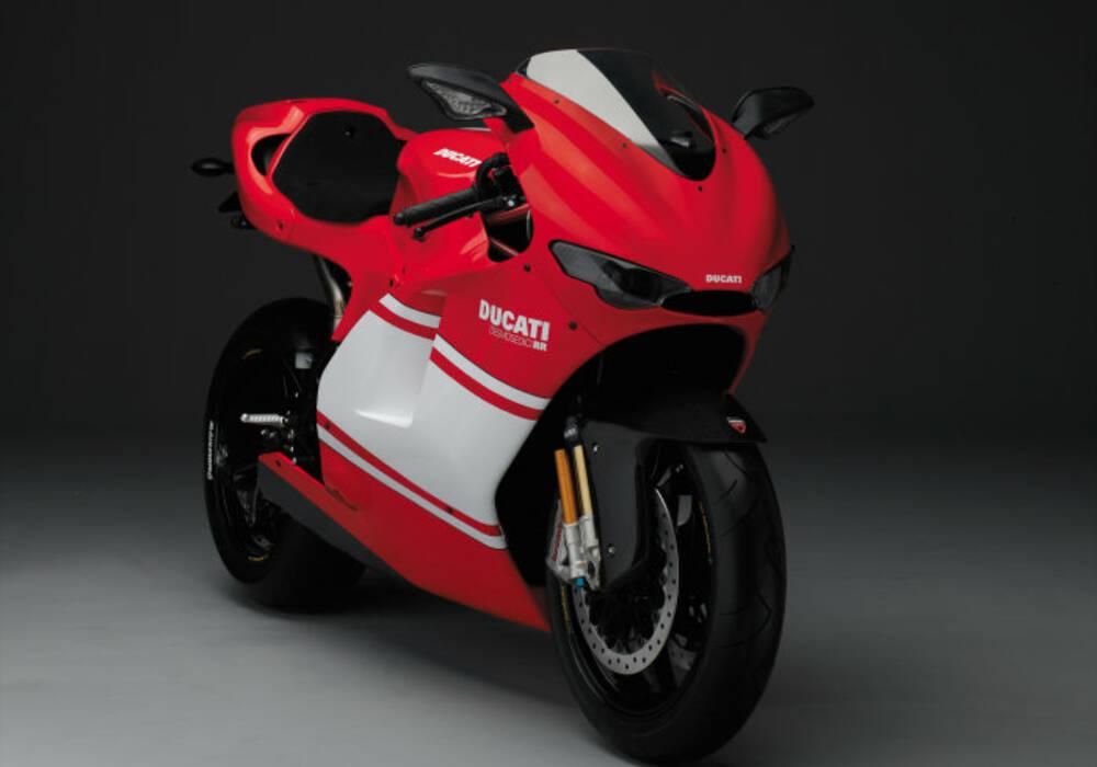 Fiche technique Ducati 1000 Desmosedici D16 RR (2007)