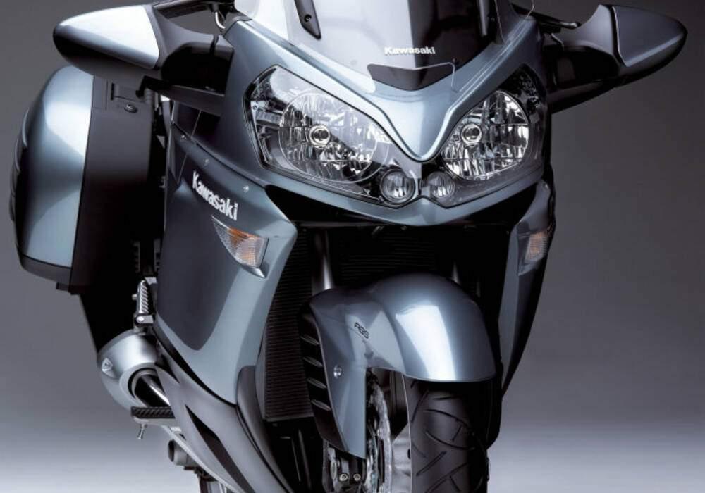 Fiche technique Kawasaki 1400 GTR (2007)