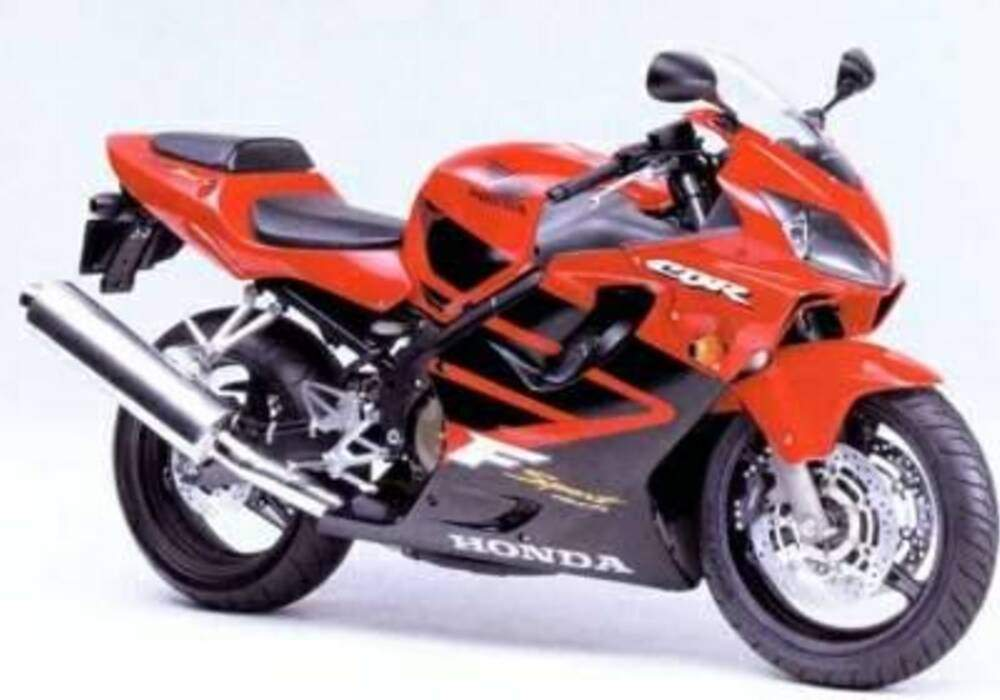 Fiche technique Honda CBR 600 F et FS (2001-2002)