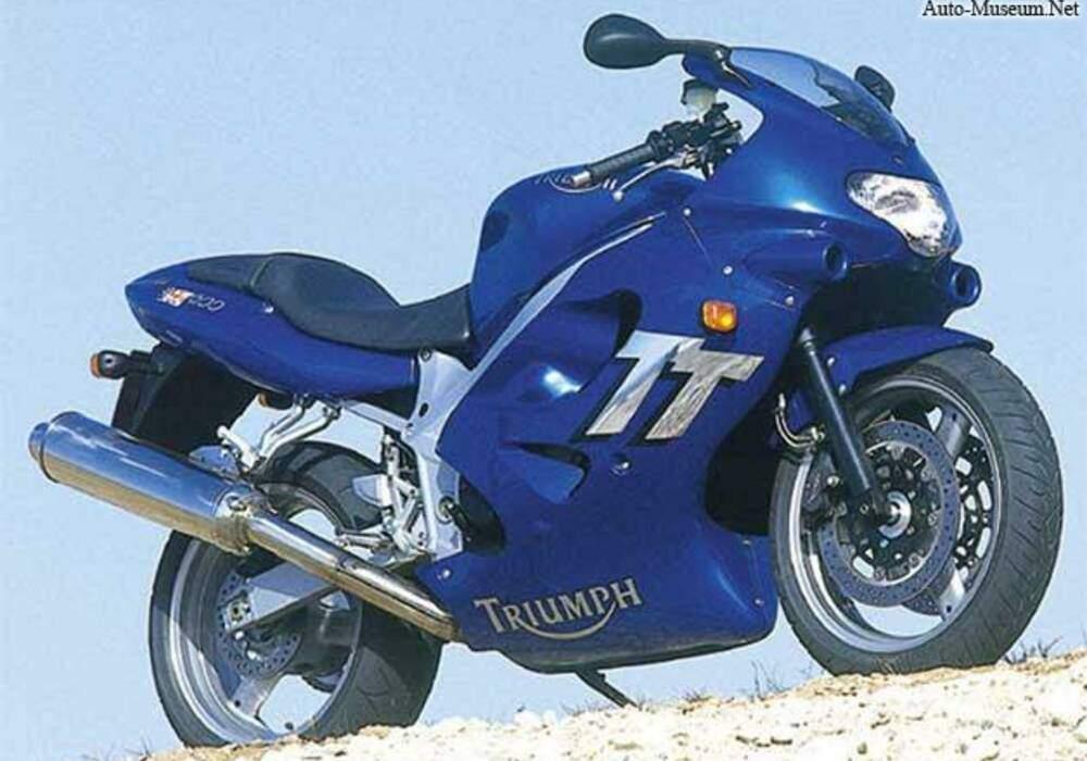 Fiche technique Triumph TT 600 (2000-2005)