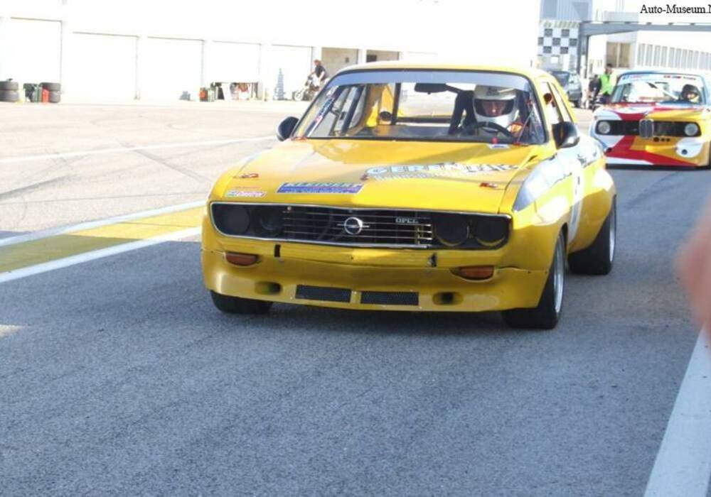 Fiche technique Opel Manta 1.9 S (A) (1971-1975)