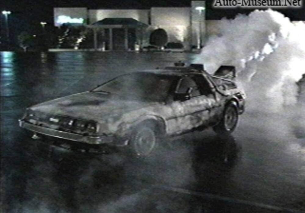 Fiche technique Voitures de films : DeLorean DMC-12 (1985)
