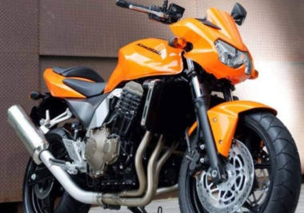 Fiche technique Kawasaki Z 750 (2004-2006)