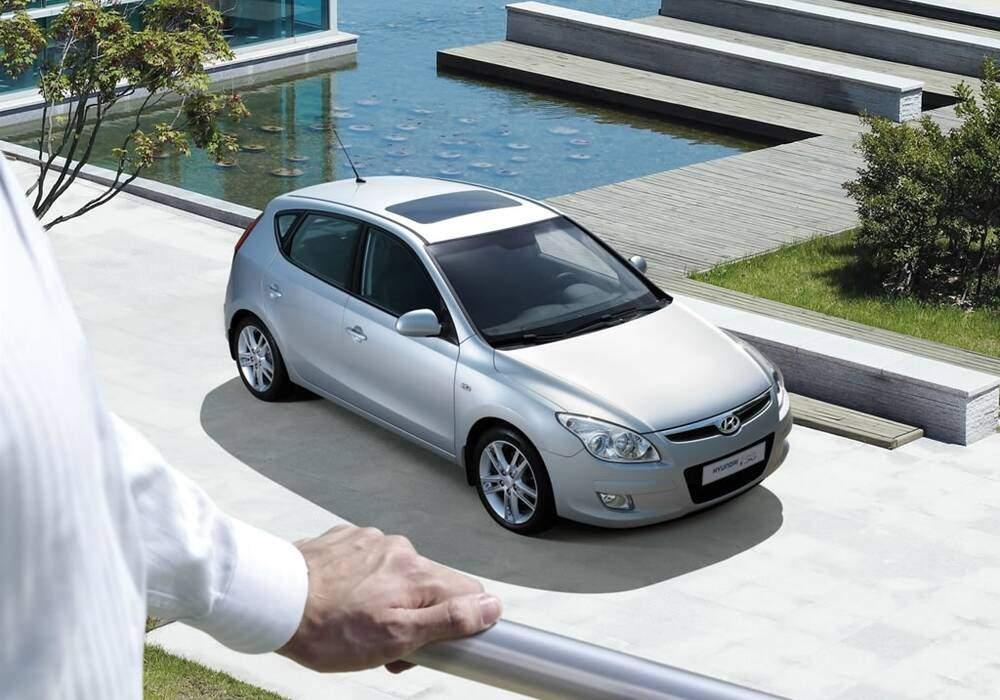 Fiche technique Hyundai i30 1.6 CRDi 90 (2008-2012)