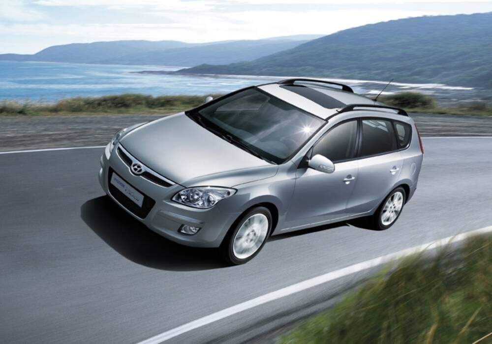 Fiche technique Hyundai i30 2.0 CRDi 140 (2008-2010)