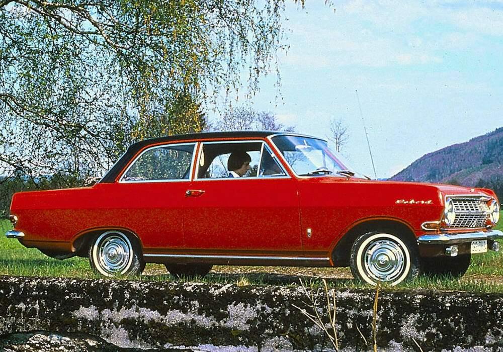 Fiche technique Opel Rekord III 1700 S (A) (1963-1965)