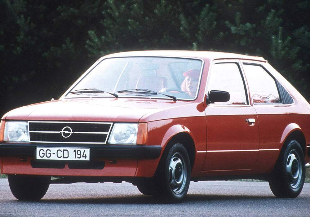 Fiche technique Opel Kadett IV 1.2 S (1979-1984)