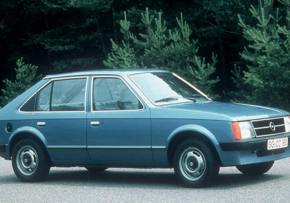 Fiche technique Opel Kadett IV 1.3 S (1979-1984)