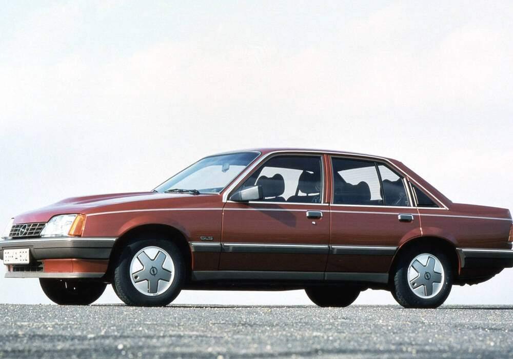 Fiche technique Opel Rekord VIII 2.3 TD (E2) (1984-1986)