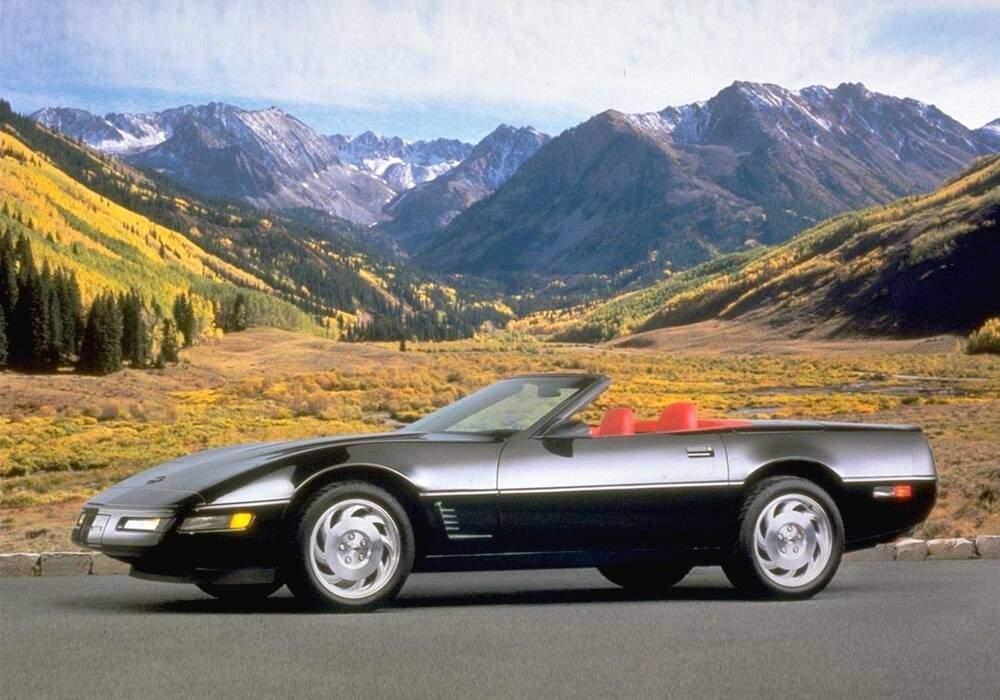 fiche technique chevrolet corvette c4 convertible 1985 1986. Black Bedroom Furniture Sets. Home Design Ideas