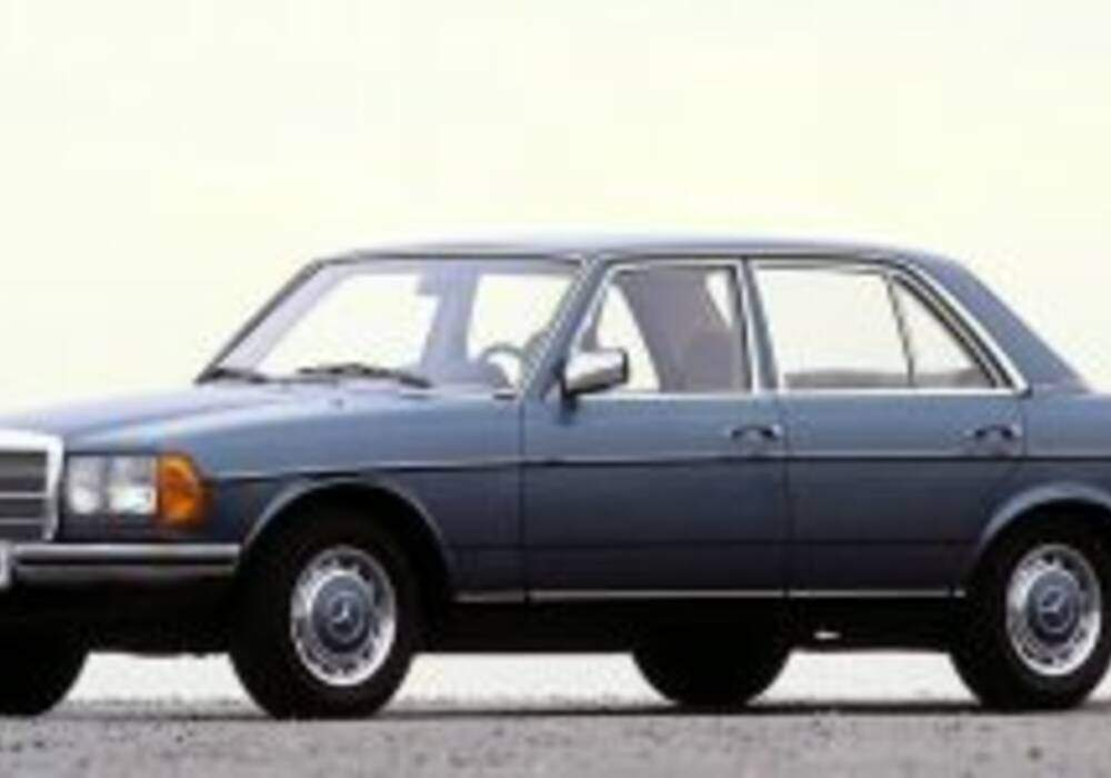 Fiche technique Mercedes-Benz 280 E (W123) (1978-1985)