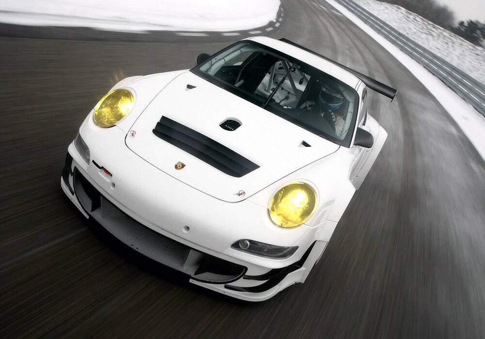 Fiche technique Porsche 911 GT3 RSR (2009-2010)