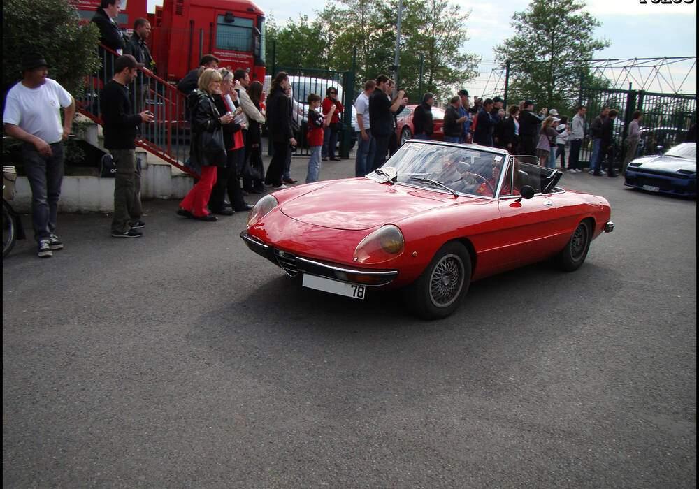 Fiche technique Alfa Romeo Spider 1750 Veloce série II (1969-1973)
