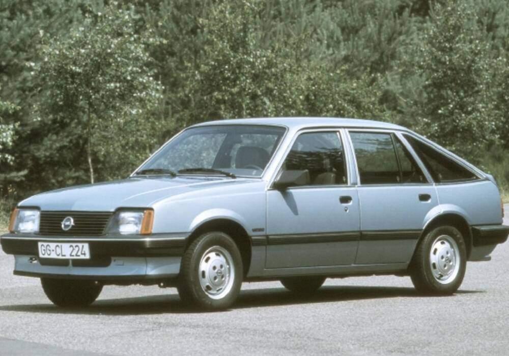 Fiche technique Opel Ascona III 1.6 S (1982-1989)