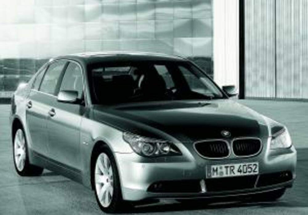 fiche technique bmw 520i e60 2003 2005. Black Bedroom Furniture Sets. Home Design Ideas