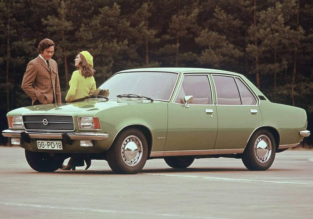 Fiche technique Opel Rekord VI 1900 SH (D) (1971-1975)