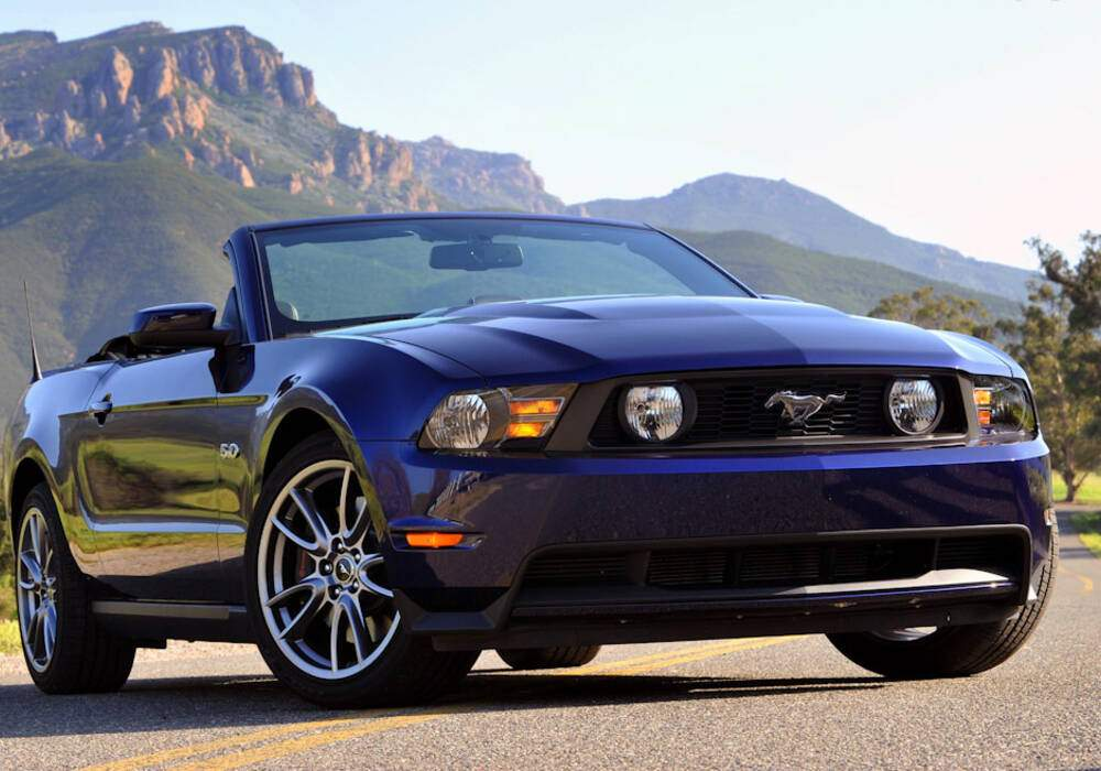 fiche technique ford mustang v gt convertible 2011 2013. Black Bedroom Furniture Sets. Home Design Ideas