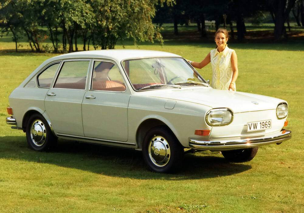 Fiche technique Volkswagen 411 (1968-1969)