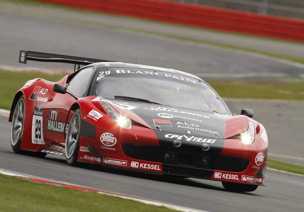 Fiche technique Ferrari 458 Italia GT3 (2011-2012)