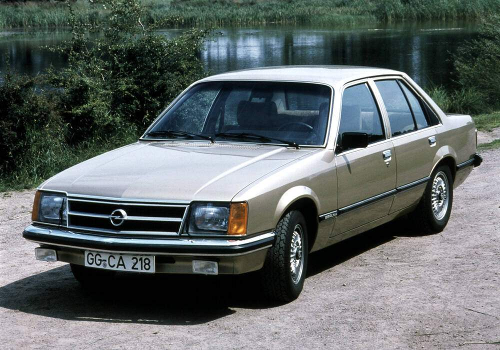 Fiche technique Opel Commodore III 2.5 S (1977-1982)