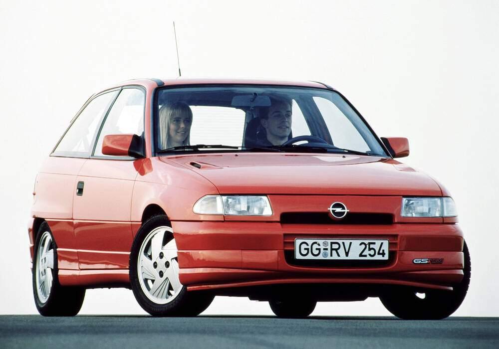 Fiche technique Opel Astra 1.8 GSi 16v (1994-1995)