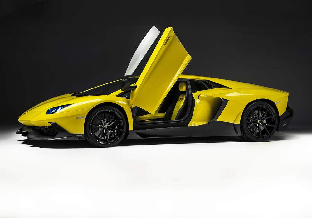 fiche technique lamborghini aventador lp720 4 50. Black Bedroom Furniture Sets. Home Design Ideas
