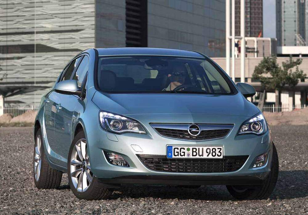 Fiche technique Opel Astra IV 1.7 CDTi 125 (2009-2012)