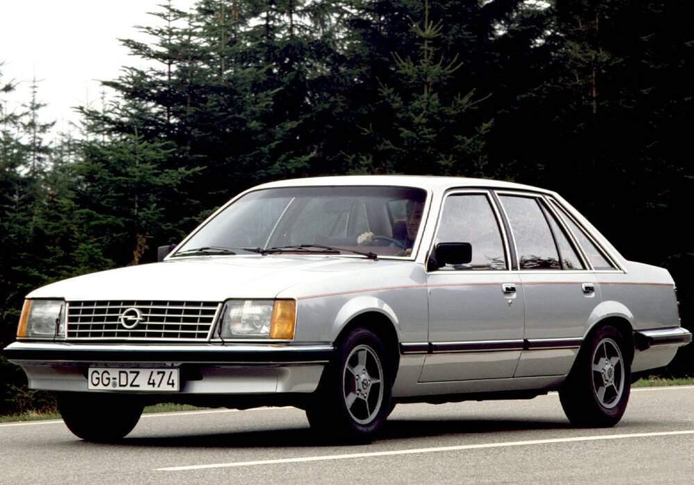Fiche technique Opel Senator 3.0 E (A1) (1978-1981)