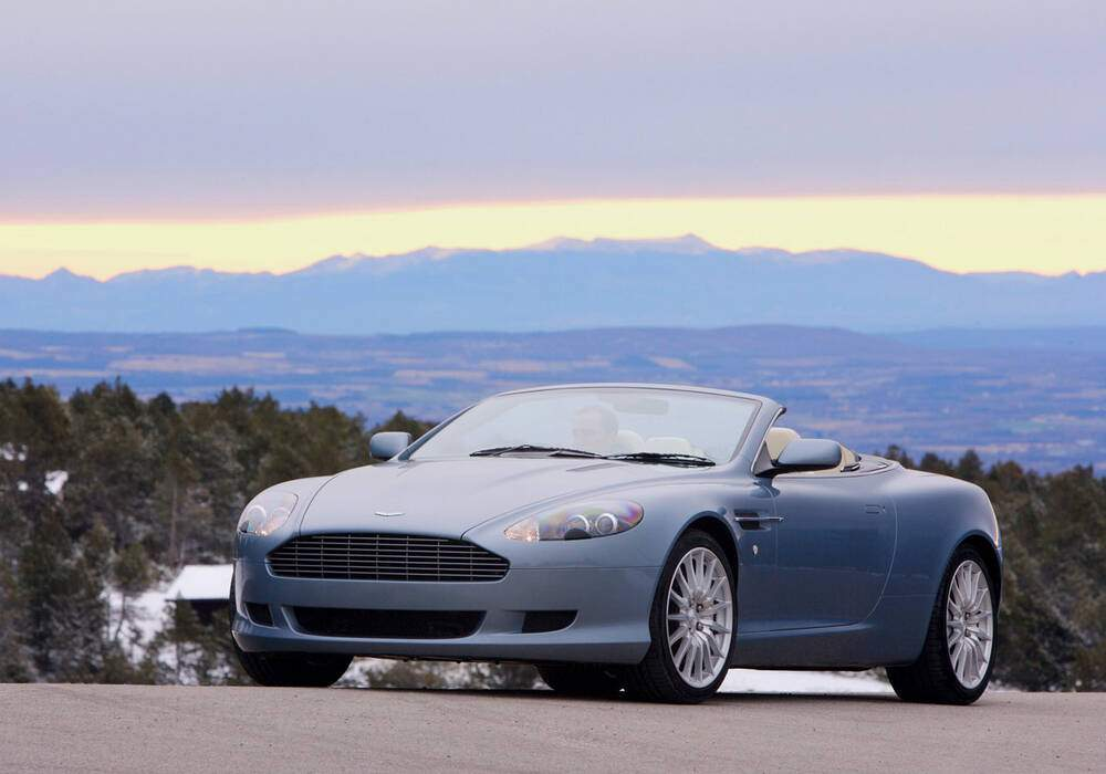 Fiche technique Aston Martin DB9 Volante (2008-2012)