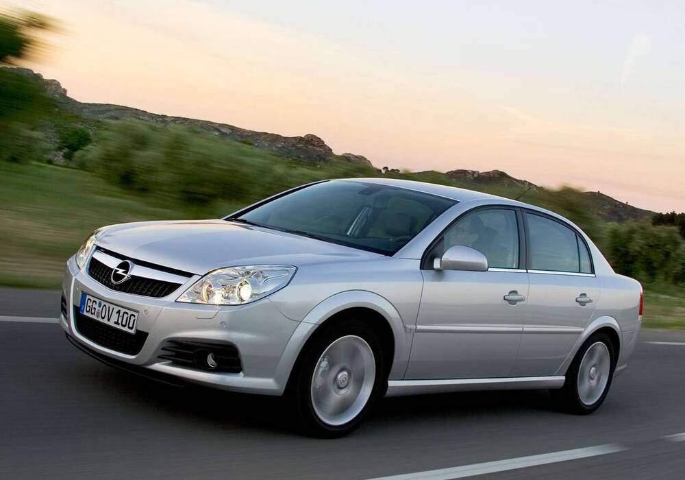 Fiche technique Opel Vectra III 1.9 CDTi 120 (C) (2004-2009)
