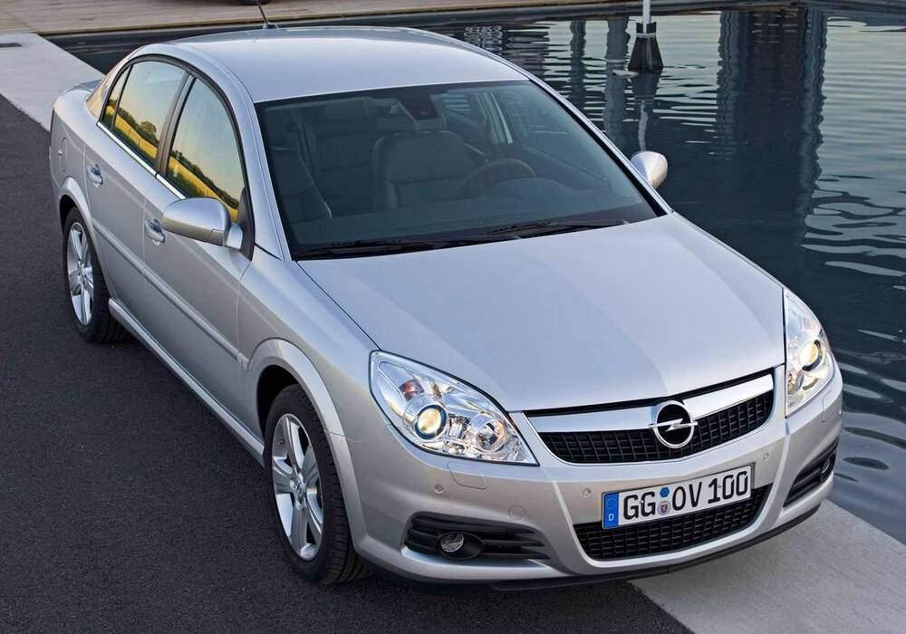 Fiche technique Opel Vectra III 2.2 (C) (2004-2007)