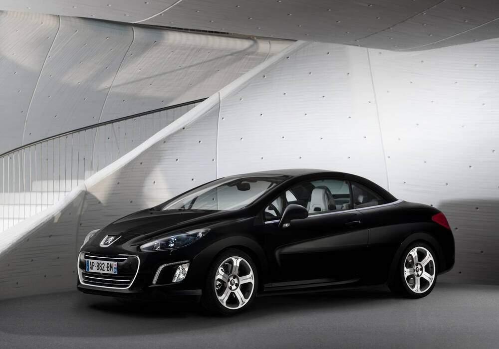 Fiche technique Peugeot 308 CC 1.6 THP 155 (T7) (2011-2015)