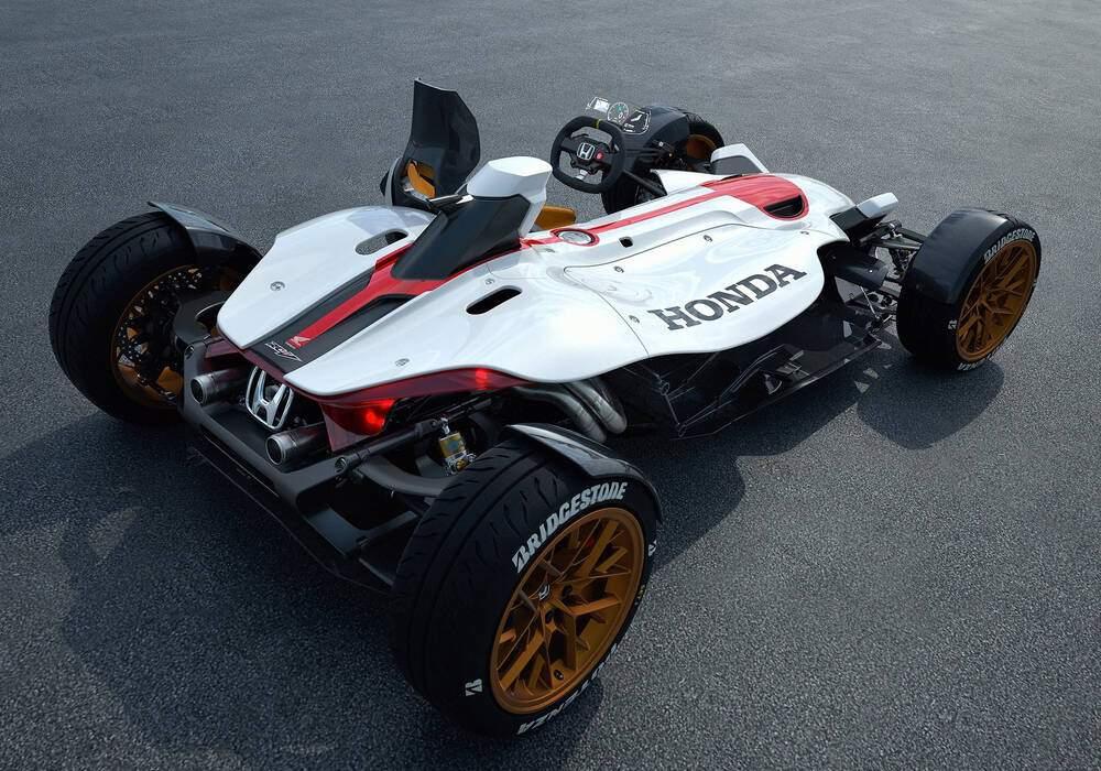 Honda 2&4 Concept, auto-moto vouée au pilotage