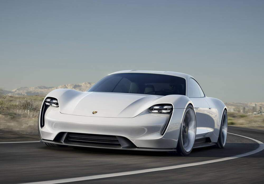 Fiche technique Porsche Mission E Concept (2015)