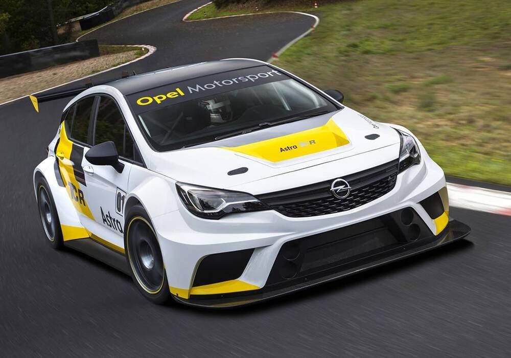 Fiche technique Opel Astra TCR (2015)