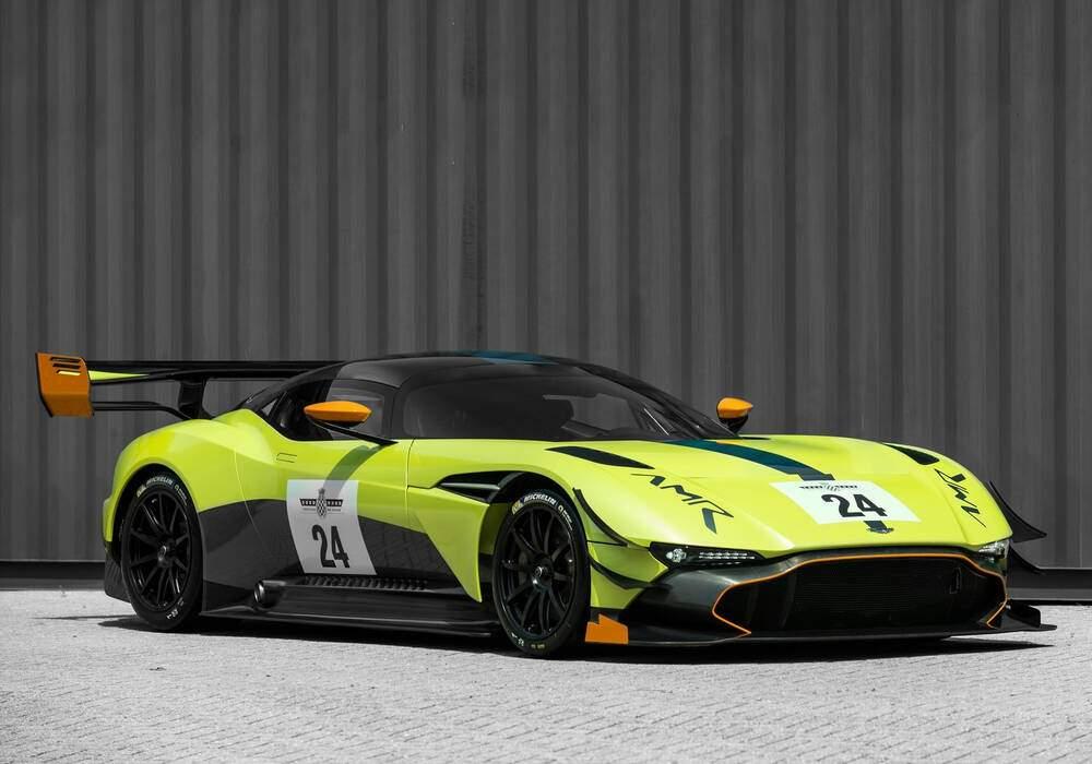 Fiche technique Aston Martin Vulcan AMR Pro (2017)