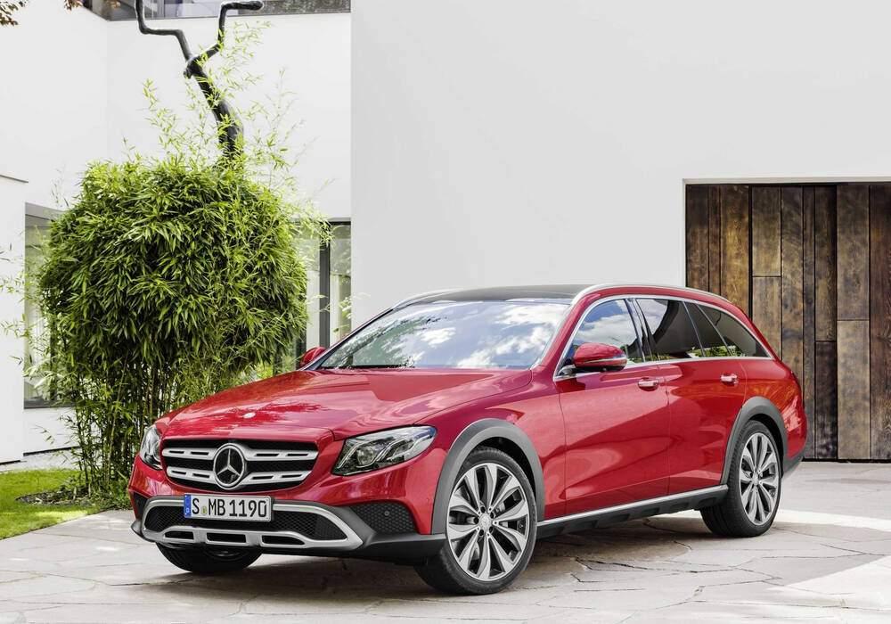 Fiche technique Mercedes-Benz E V All-Terrain 220 d (2017)