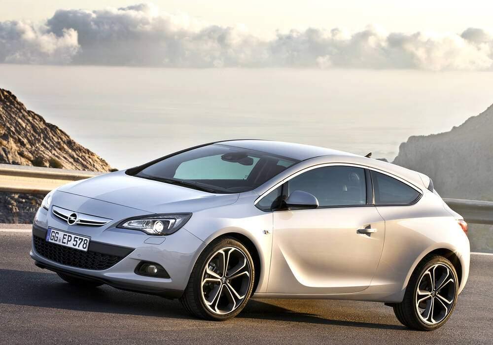 Fiche technique Opel Astra IV GTC 1.6 Turbo 180 (2012)