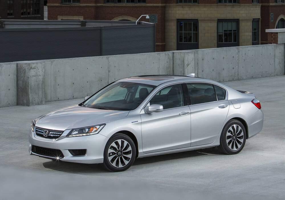 Fiche technique Honda Accord IX 2.0 Hybrid (2016-2017)