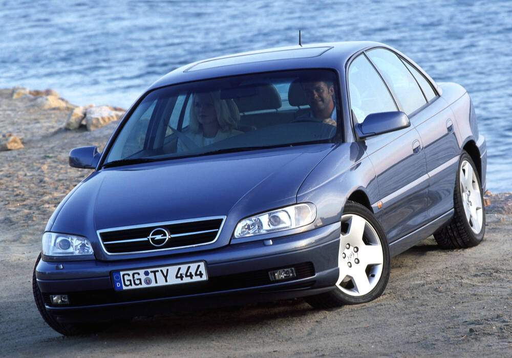 Fiche technique Opel Omega II 2.6 V6 (B) (1999-2003)