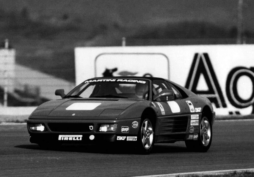 Fiche technique Ferrari 348 Challenge (1992-1994)