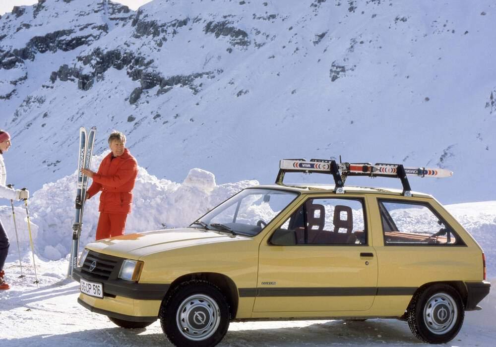 Fiche technique Opel Corsa 1.2 S (1983-1992)