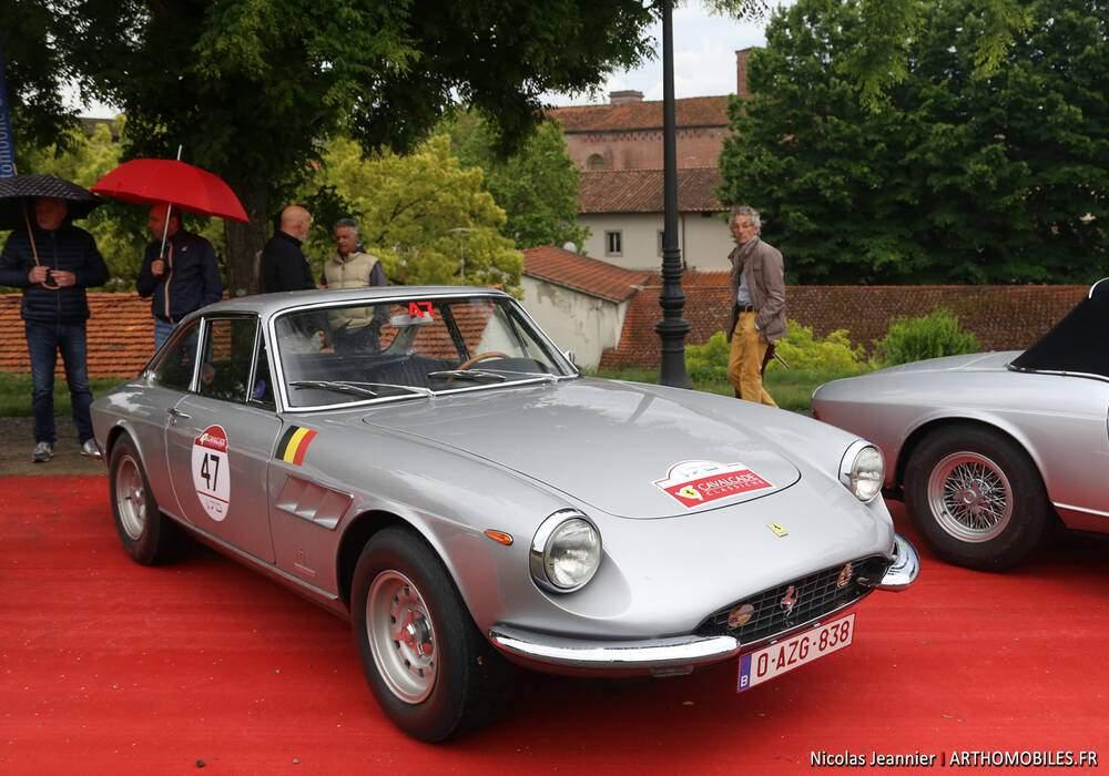 Fiche technique Ferrari 330 GTC (1966-1968)