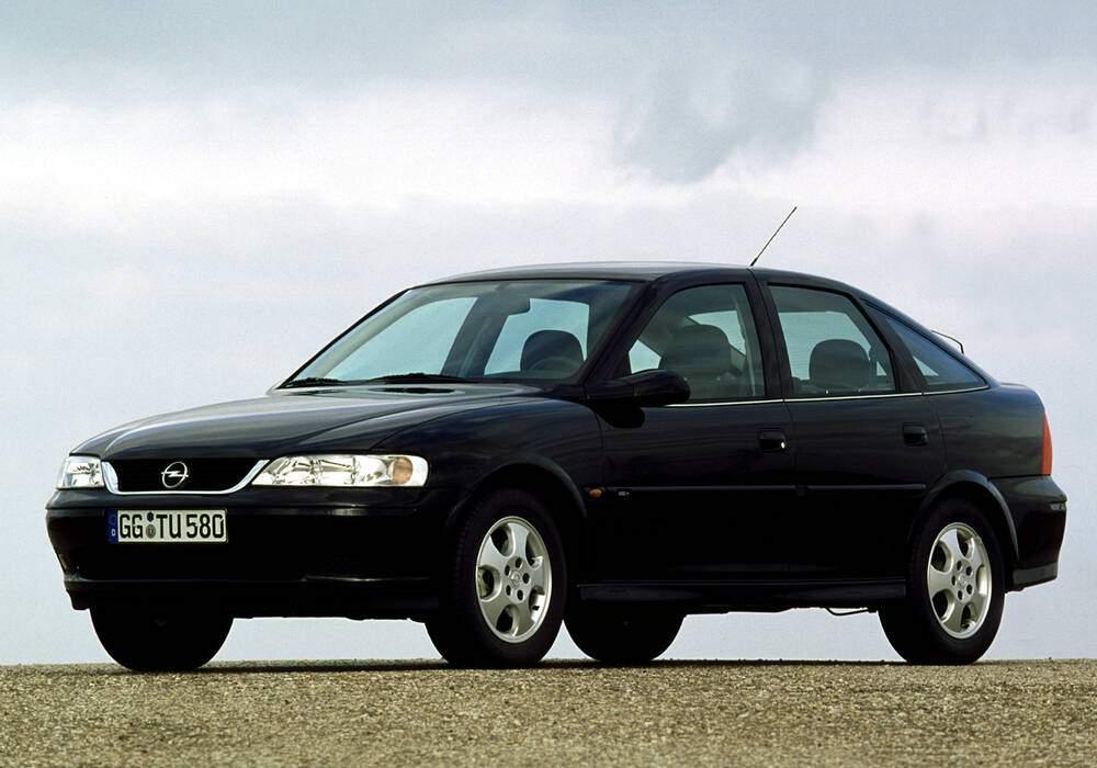 Fiche technique Opel Vectra II 2.5 V6 (B) « Edition 100 » (1999)