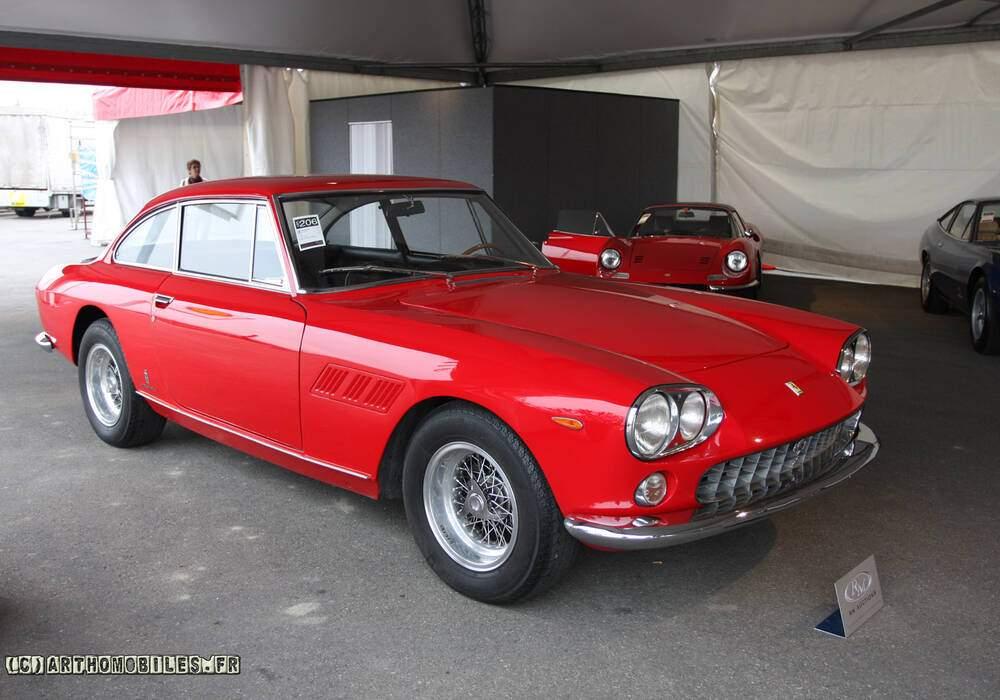 Fiche technique Ferrari 330 GT 2+2 (Séries I) (1963-1965)
