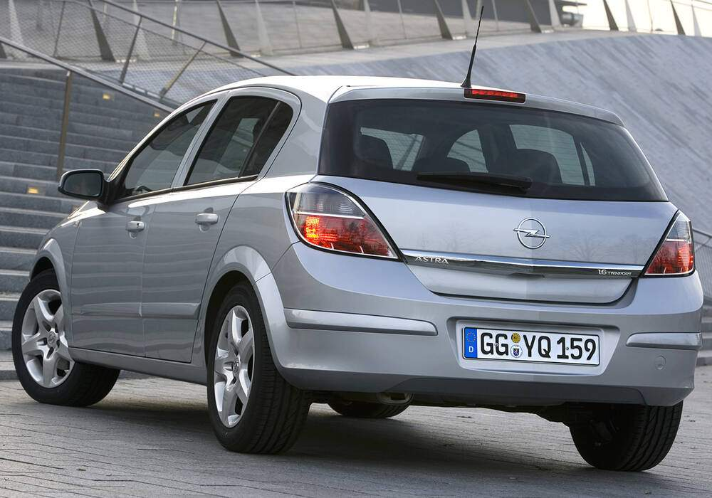 Fiche technique Opel Astra III 1.6 Twinport 105 (2004-2007)