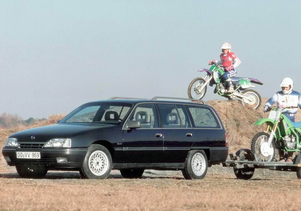 Fiche technique Opel Omega Caravan 2.3 D (A) (1986-1993)