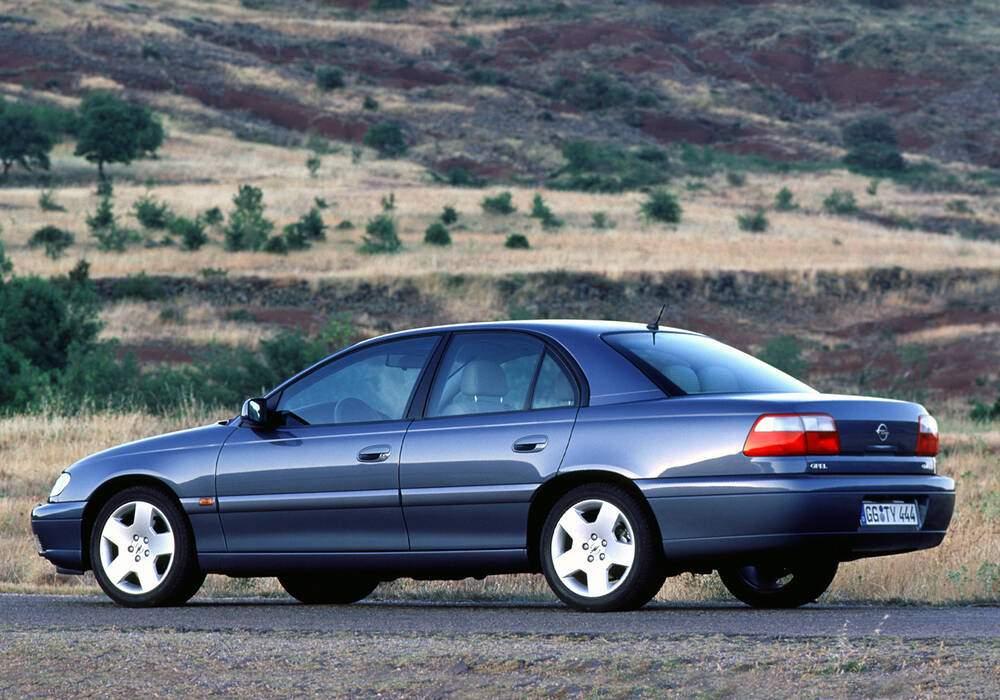 Fiche technique Opel Omega II 2.5 DTI 150 (B) (2001-2003)